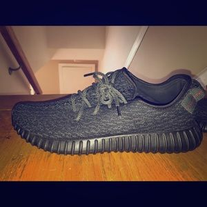 Yeezy 350 black pirate